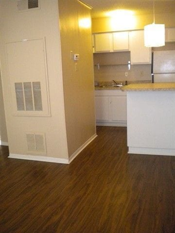 Holleman by the Park 2 Bed / 1 Bath