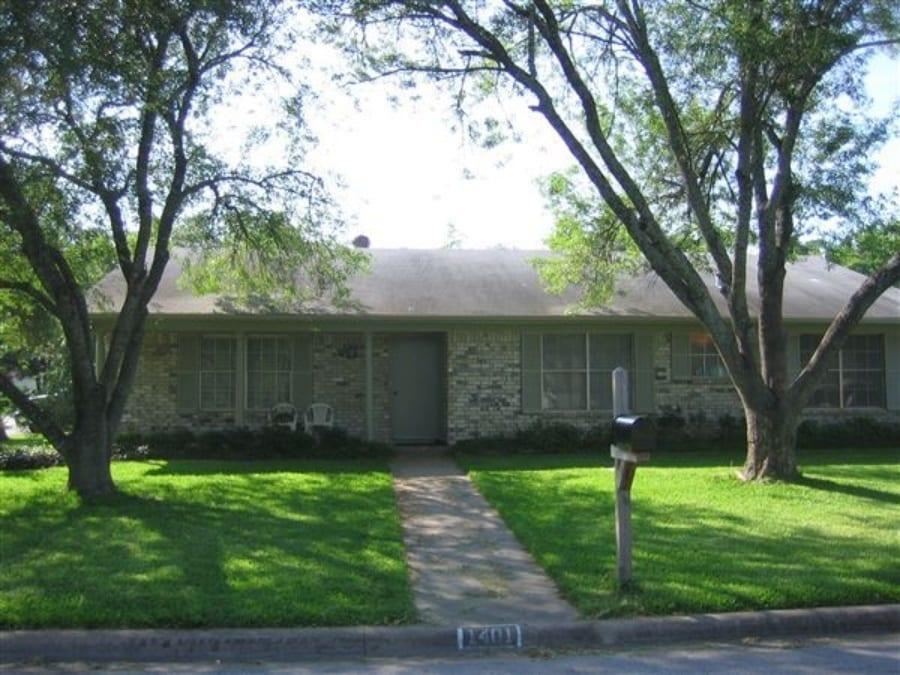 1401 Skrivanek Ct, College Station, TX 77840