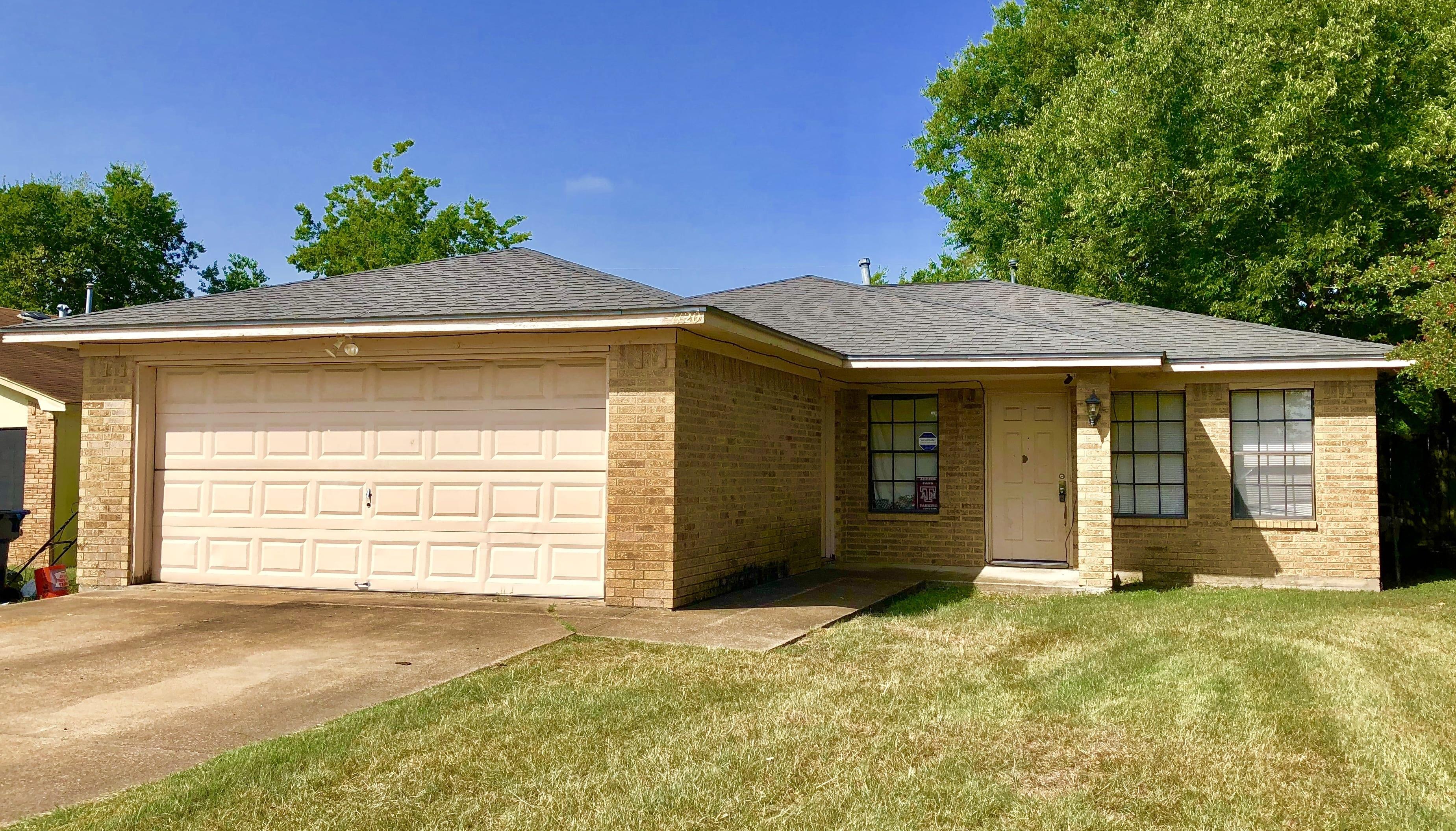 1120 S Dexter Dr, College Station, TX 77840