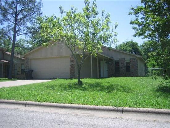 1214 S Dexter Dr, College Station, TX 77840