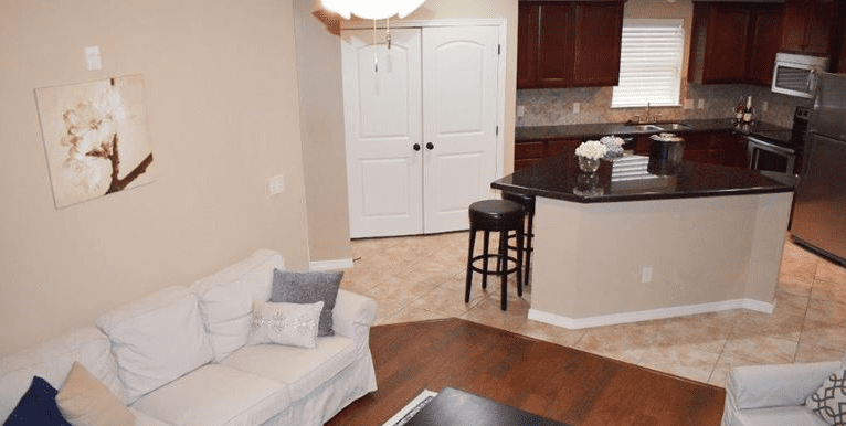 2_2_living_room_kitchen